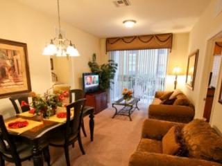 3 Bedroom 2 Bath Condo with Lake View In Vista Cay. 4024BD-106, Orlando