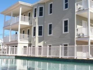 Perfect Vacation 2 - 3 Bedrm Condos w/Large Pool!, Wildwood Crest