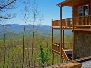 Above the Trees - Mountain View, Pool Table, Wi-Fi, Bryson City