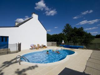 5* TripAdvisor rated. Countryside House with  private, heated & secluded pool.