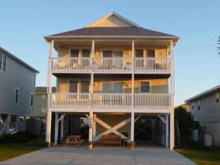 Beach Walkers Lane - 5 Bedrooms at the Beach, Surf City