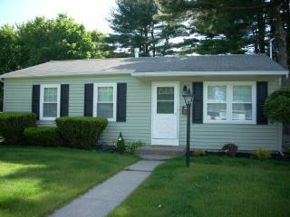 3BR home, 3 blocks from the track,, Saratoga Springs