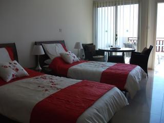 Bedroom area & dinning area