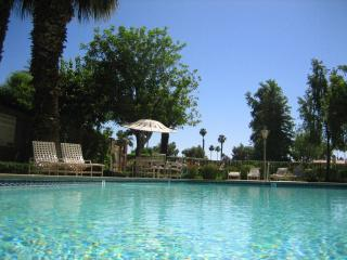 Available 2-3 bedrooms on golfcourse @MCC, Palm Desert