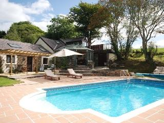 Pantymeillion Cottages with spa facilities, Llanelli