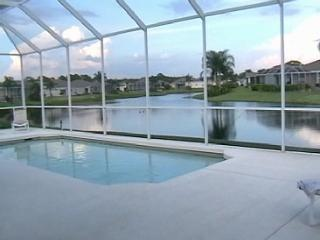 Luxurious 5 Bed / 3 Bath home with private pool
