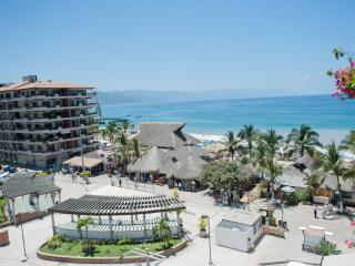 Plaza Mar 606 on Los Muertos Beach (Old Town) 1BR, Puerto Vallarta