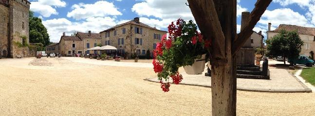 St Jean de Cole - local Beaux village