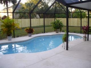 Nice Clean, 3 Bdrm Pool Home, Close to Beach, Palm Coast