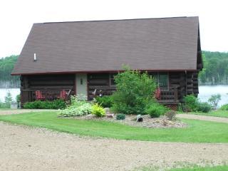 Waterfront Log Cabin U.P. Michigan Vacation Rental, Foster City