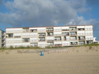 Large Oceanfront efficiency with spectacular view, Ocean City