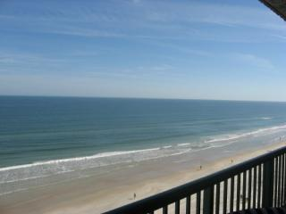 Brand New Luxurious Direct Oceanfront Jacuzzi Tub, Daytona Beach