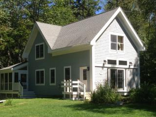 Moosehead Lakefront (Mount Kineo) Cottage Rental, Rockwood