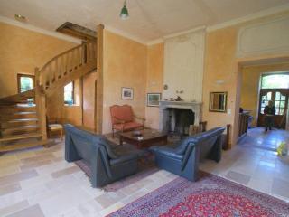 Petit Chateau LaBurague, Cenac