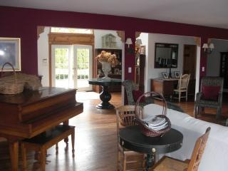 Westhampton Waterfront 6 Bedroom Secluded 3 Acre E