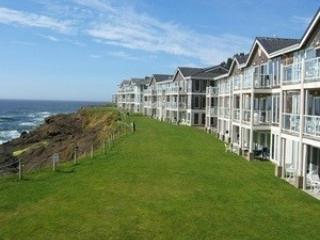 Spectacular View Ocean Front Condo-Whale Watching, Depoe Bay
