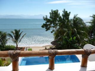 Beach front Casa, Infiniti Pool between La Cruz & Bucerias, La Cruz de Huanacaxtle