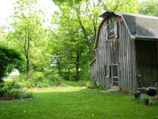 Serene Unique Catskills Barn on 7 Acres w/ Pond!, Kerhonkson