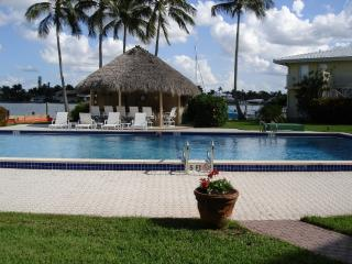 Newly Furnished and located on Gulf Shore Blvd., Naples