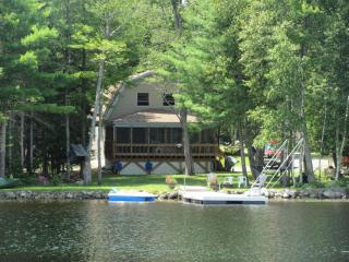 Tranquil Lake Front Home on Long Pond, Lincoln