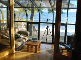 Lake Superior Beachfront Cottage-Seacoast Cottage, Au Train