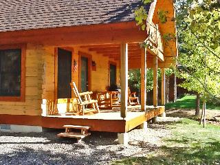 Cozy 'Hansel & Gretel's Hideaway' w/ Hot Tub!, McCall