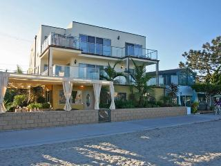 Bayside Walk...Bask on the sand in pure luxury!, San Diego