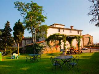 Apartment Trebbiano with shared garden & pool, Molino del Piano