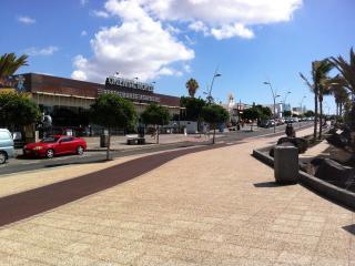 Avenida de las playas (main strip)