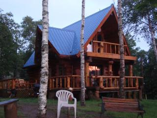 Seaside Real Log Cottage Rental, Parrsboro