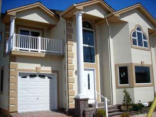 Large New Townhouse Near Beach in Wildwood Crest