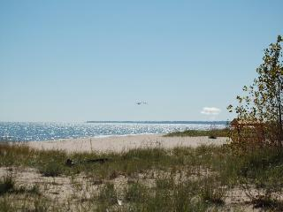 2 BDR Lake Michigan vacation cottage (Oostburg WI)