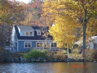 Beautiful Waterfront Cottage on Kennebunk Pond, Dayton