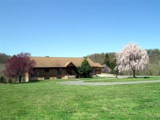 Rental home Shenandoah river. Secluded 160 acres