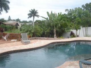 Tropical setting with fishing in your backyard, Bradenton