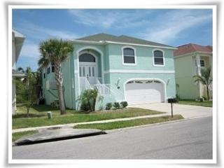 New Port Richey 4 Bedroom Beautiful Pool Home