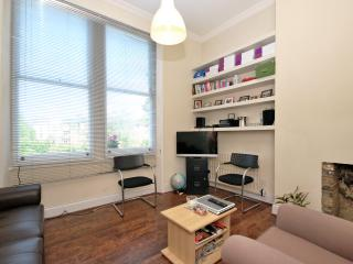 ONE BEDROOM APARTMENT LOCATED IN WEST KENSINGTON
