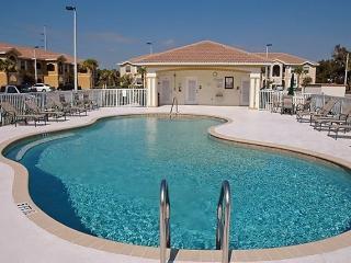 Beautiful Cape Coral 2 bdrm/2 bath Condo/Pool/Balc