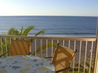 Apartamento delante de la playa, Roda de Bara