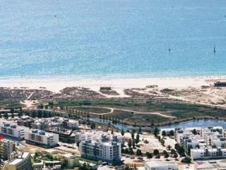 Seaviews meia praia modern clean panaramic views