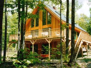 Contemporary 4BR Vacation Home on Long Lake, Harrison