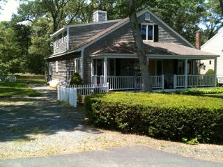 4BR/3B on bike trail / 100 yards from Long Pond, Harwich