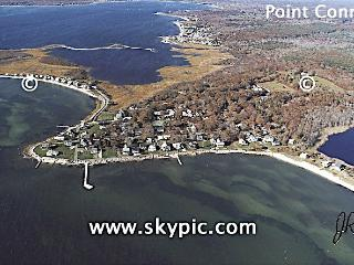 Rambling Home with 4 Bedrooms in Beach community, Mattapoisett