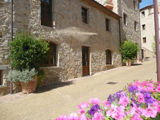 A characteristic street view of Borgo di Gaiole