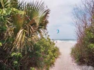 'Luxury Townhouse on Famous Cocoa Beach', Cabo Canaveral