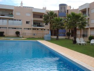 A Three bedroom apartment within walking distance to Vilamoura Marina.