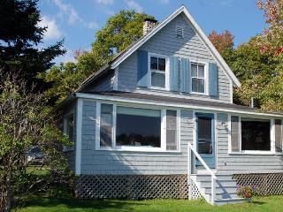 Seasonal Oceanfront Cottage, Fabulous Views, Chamberlain