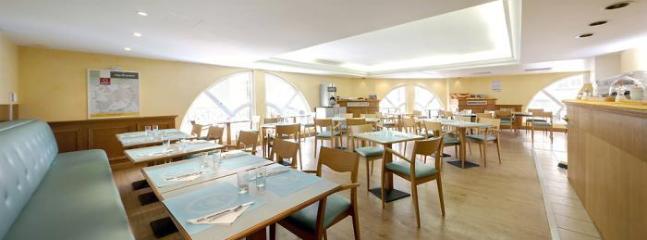Cafeteria within Palais Josephine