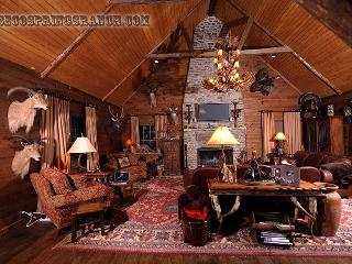 2700 Acre Ranch Paradise 4500sq Ft, Utopia