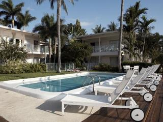 Beautiful Vacation Apartment in Villa Venezia on, Fort Lauderdale
